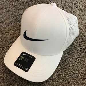 Nike Swoosh Flex Golf Hat (S/M)